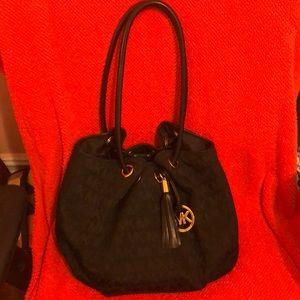 MK bag l used bag but looks new
